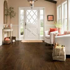 3 quick steps for an effortlessly clean vinyl floor