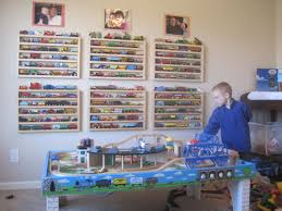 the new ultimate train rack lets thomas show his face
