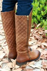 Adore these quilted boots   [Shoe] Styles   Pinterest   Steve ... & Adore these quilted boots   [Shoe] Styles   Pinterest   Steve madden boots,  Madden boots and Steve madden Adamdwight.com