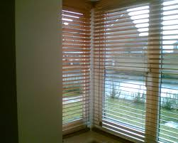 Window Blind Beautiful Bay Window With Venetian Blinds There Bay Bay Window Vertical Blinds