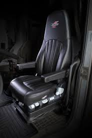 minimizer seat offers adjuility comfort for female truck drivers