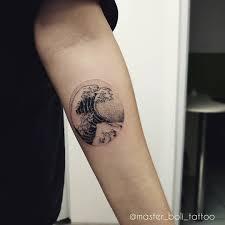 татуировка мода или культура друзья очень многие относятся к