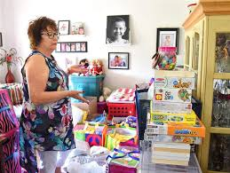 is collecting crafting materials to donate to rainbow es and children s hospital in memory of granddaughter sophia greer who d of cancer