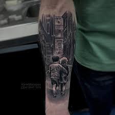 татуировки дети идут по улице в стиле дотворк реализм черно серая