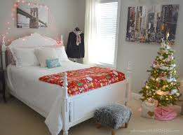bedroom diy decor. Bedroom:Restful Teen Room With Diy Wall Decor Also Classic Daybed Gorgeous Decorating Idea Bedroom