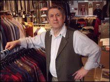 BBC News - John Simons decides to shut down - _46758121_jsimonsnovember2009001