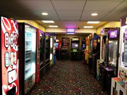 Vending Machines Games Cool Game Room With Vending Machines As Well Picture Of Holiday Inn