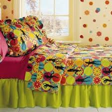 Flower Power 3 Piece Twin Comforter Set. By Room Magic
