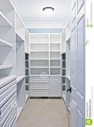 walk closet. Walk Closet. Walk-in Closet T R