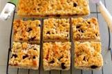 apple and currant slice