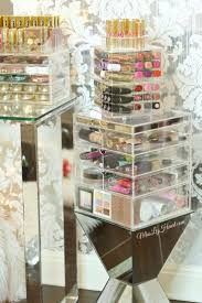 See through makeup containers, an elegant way to organize your makeup.