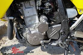 2018 suzuki 450 review. exellent 2018 the liquidcooled dohc single features a drysump oiling system and  magnesiumalloy clutch magneto cam covers  2018 suzuki  on suzuki 450 review l