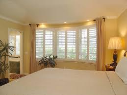 bay window bedroom decorating ideas