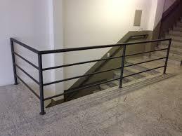 Essa estrutura impede garante maior segurança para locais elevados criando uma. Foto Guarda Corpo De Escada De Metalurgica Favimar 867749 Habitissimo