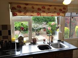 Roman Blinds For Kitchens A Global Blind For Sharons Family Kitchen Web Blinds