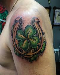 98 дизайнов сексуальных татуировок на плече для мужчин и женщин