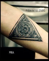 татуировки на руке от мастеров Piglatattoo Studio днепр