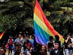 El presidente de chile, sebastián piñera, anunció este martes que impulsará con urgencia el proyecto de ley de matrimonio igualitario, que se pienso que ha llegado el tiempo del matrimonio igualitario en nuestro país, dijo piñera, después de que el texto todavía no haya superado el primer. Uvkem Emoln51m