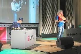 O Ton Charts 1 Live Oliver Briesch Und Michael Imhof Füllen Mit Ihrer Chart Show