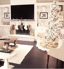 I Wouldnu0027t Usually Pick A White Wash For My Christmas Decorations But This  Creamy Winter Wonderland Is Absolutely Stunning.