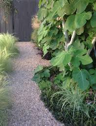 you just how to make a stable diy garden path this means the gravel won t easily wash away and the footing will be firm and easy to walk on a must