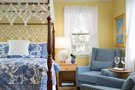 seven sea street inn nantucket house 1 queen bed guest