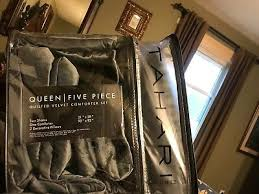 comforter set includes throw pillows
