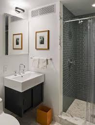desain kamar mandi kecil murah: Desain kamar mandi kecil minimalis dan sederhana desain desain rumah