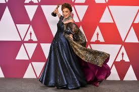 Costume Design Oscar 2019 Oscars 2019 Capes Are A Superhero Fashion Statement On The