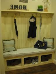 Mudroom Coat Rack Mud Room Bench With Coat Rack By Burrows Cabinets Traditionalhall 86