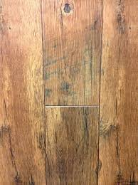 Laminate Wood Flooring In Kitchen The Cozy Old Farmhouse Laminate Floors Have Finally Been Chosen
