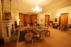 File:Jimbour House - Inside - Living Room 1.jpg