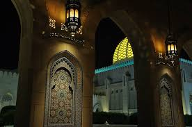 sultan qaboos grand mosque s main central prayer area has a central dome which rises to the height of 50 meters from the floor and its large swarovski