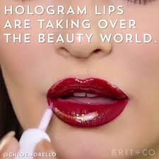 [Видео] «[Видео] «This <b>Holographic Lip</b> Trend Is Futuristic AF ...