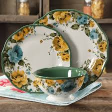 Patterned Dinnerware Sets Interesting Design