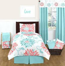 White Twin Quilts – boltonphoenixtheatre.com & ... Blue And White Twin Bedspread Emma Turquoise And Coral Bedding Set Twin  Girls 4 Pc Lightweight ... Adamdwight.com