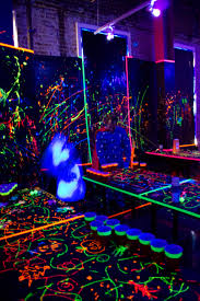 cool blacklight ideas conquerors black light poster room setup bedroom neon sheets lights 70s for invisible