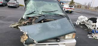 at 5 37 p m oregon state police troopers responded to a motor vehicle crash on us 97 near milepost 256 in klamath county