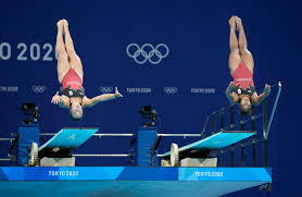 Chinese teenager chen ruolin wins the olympic women's 10m platform diving gold, giving the host nation its seventh gold from seven events. Chinese Duo Easily Win 1st Diving Gold Of Tokyo Olympics Sports Beloitdailynews Com