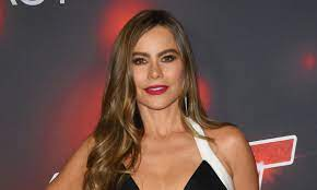 Sofia Vergara wows on AGT in curvaceous ...