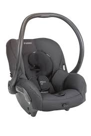 the ergonomic handle provides extra comfort for pas while carrying this lightweight seat transferring from the stay in car base to a maxi cosi quinny