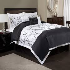 black and white bed set