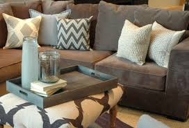 best throw pillows for brown couches