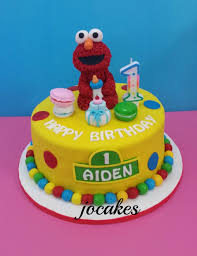 Elmo Cake For Aidans 1st Birthday Jocakes