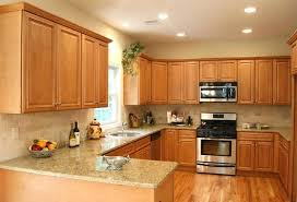 Kitchen ideas light cabinets Maple Cabinets Kitchens With Light Cabinets Light Kitchen Cabinets Home Design Traditional Kitchen Backsplash With Light Maple Cabinets Learnncodeco Kitchens With Light Cabinets Learnncodeco