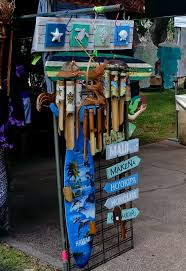 explore maui s art and culture while finding unique made on maui gifts jewelry crafts and art from local artisans enjoy woodcarving and tapa