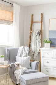 Diy Blanket Ladder Simple Diy Angled Blanket Ladder Tutorial A Burst Of Beautiful
