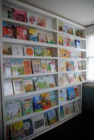 21 cool idea to organize a mini kids library or kids book display kidsomania
