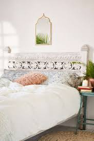 Headboard Alternative Ideas 25 Best White Headboard Ideas On Pinterest Beautiful Bedrooms