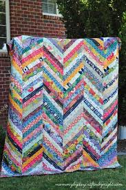 Herringbone strip quilt by Mommy by Day Crafter by Night ... & Herringbone strip quilt by Mommy by Day Crafter by Night Adamdwight.com